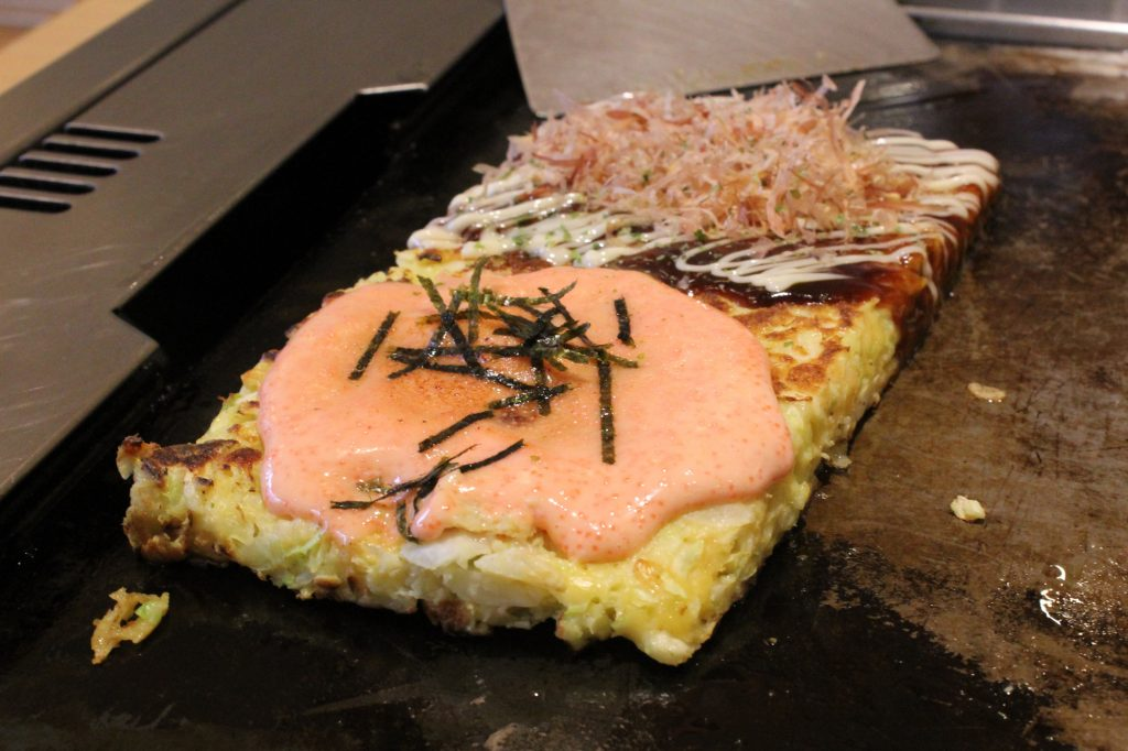 Two-flavours Okonomiyaki: Pork and Pollack Roe Mochi Cheese