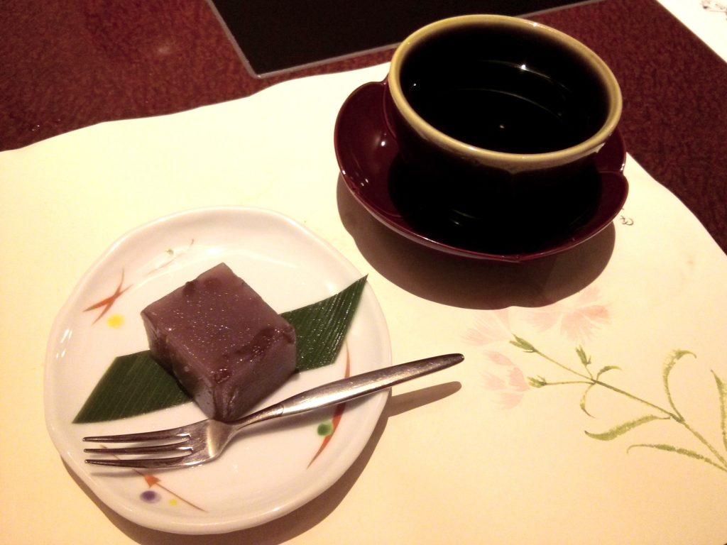 Red bean jelly with green tea