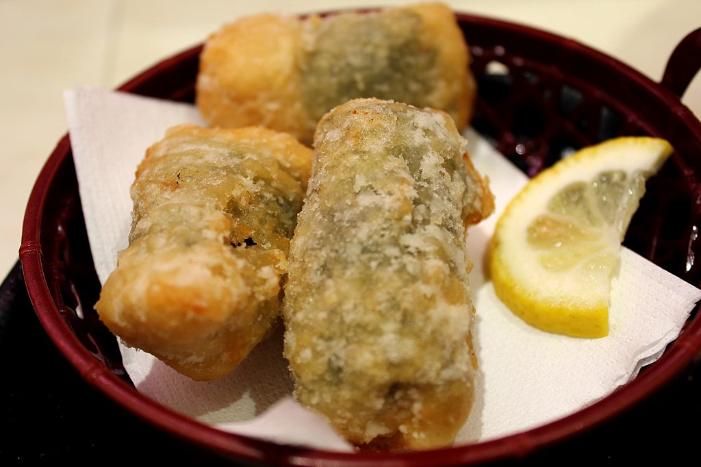 Deep fried roll with chicken