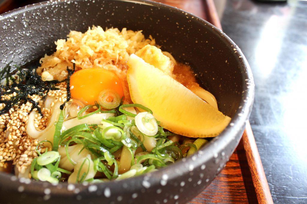 Atsutama bukkare udon - with broth