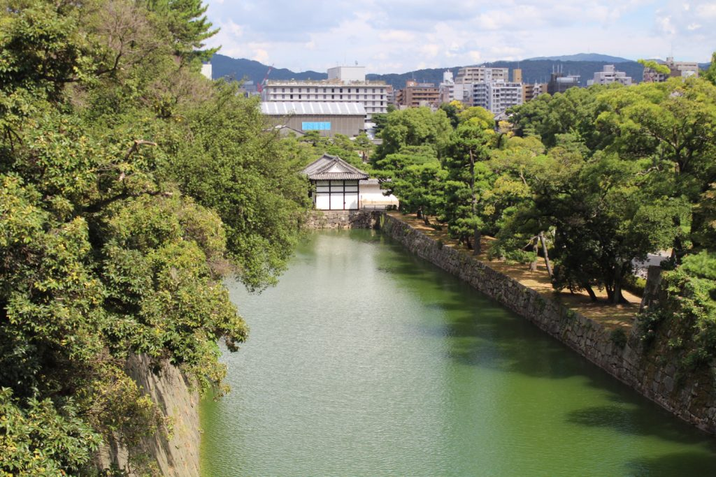 Nijo Castle entrance lake