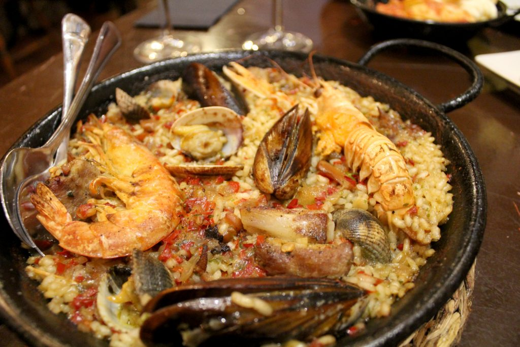Paella Mixta - seafood and pork.